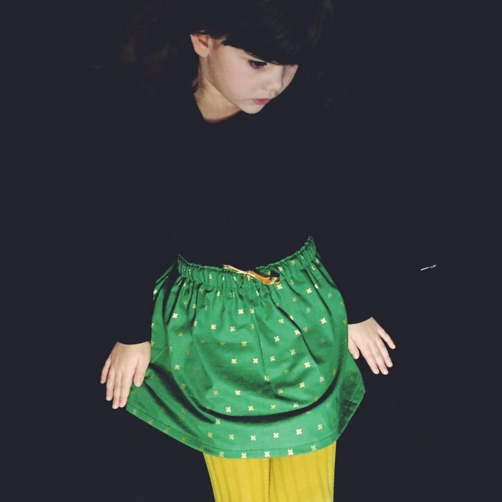 Jupe pour petite fille avec du tissu de chez France Duval Stalla