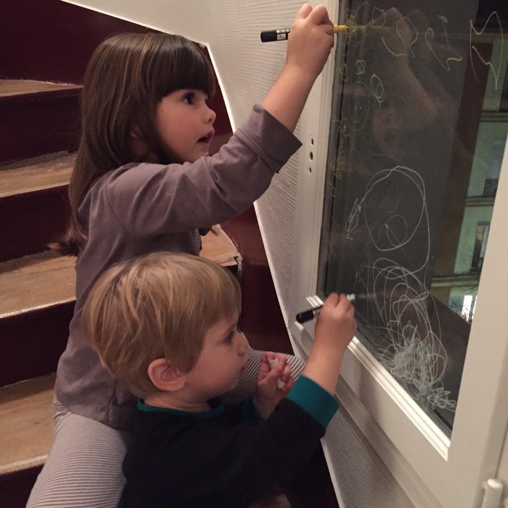 Décorer les vitres avec des feutres Posca