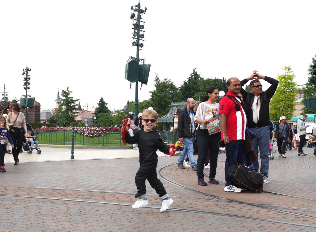 By Paulette à Disneyland