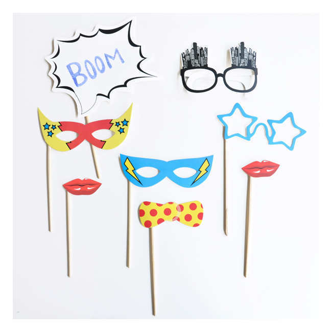 deguisement anniversaire garcon kit photobooth super heros. Black Bedroom Furniture Sets. Home Design Ideas